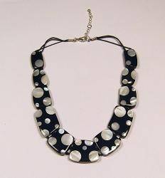 'Dalmation Necklace' - Retro Shell/Resin Necklace