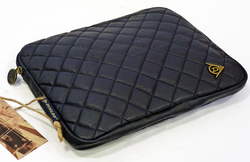 DUNLOP Retro Indie Diamond Quilted iPad Cover