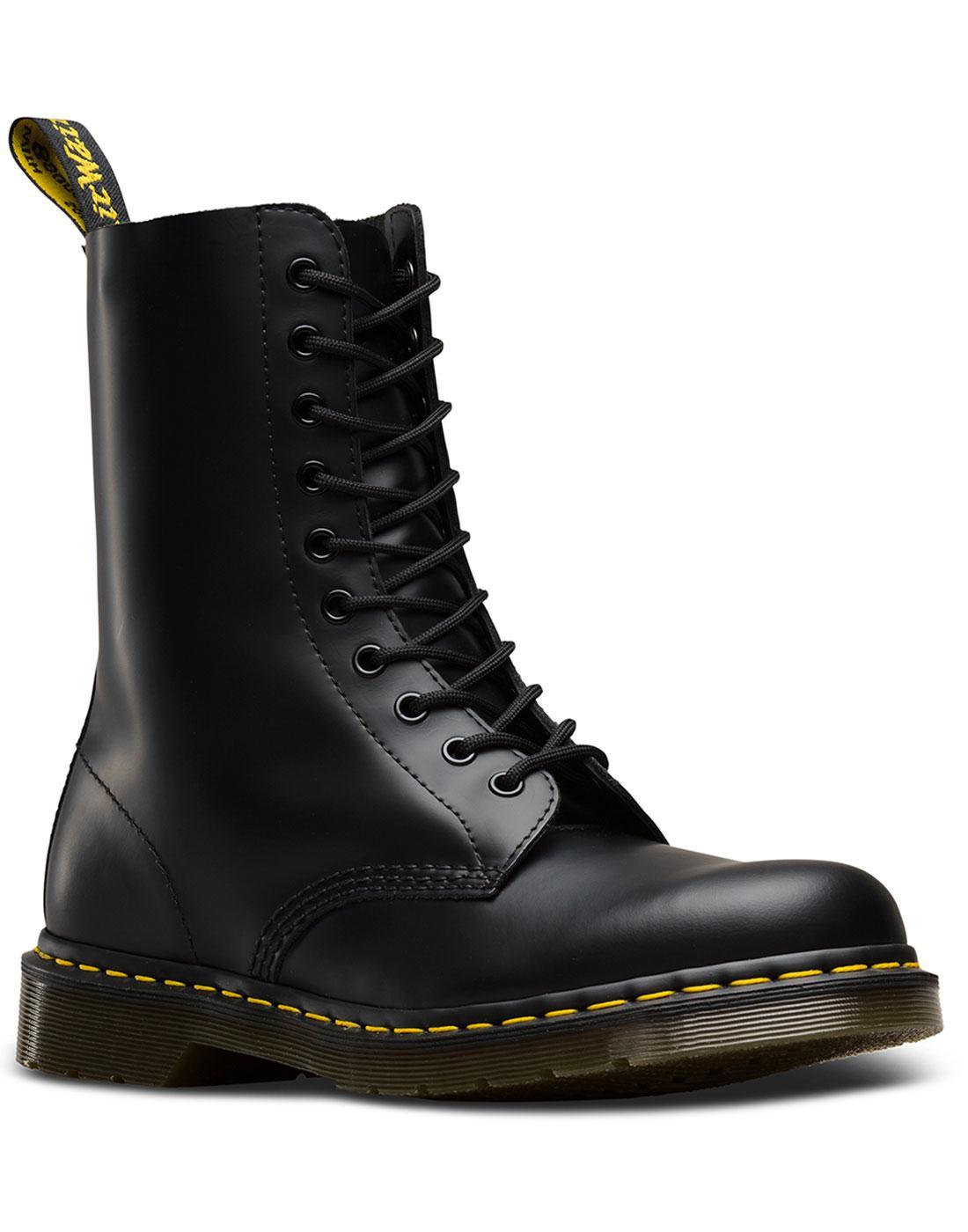 1490 Smooth DR MARTENS Mod 10 Eyelet Boots BLACK