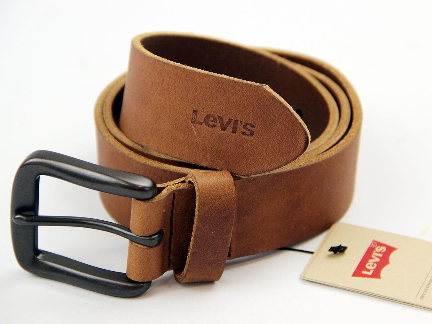 levi s 174 retro rubber effect leather belt in medium brown