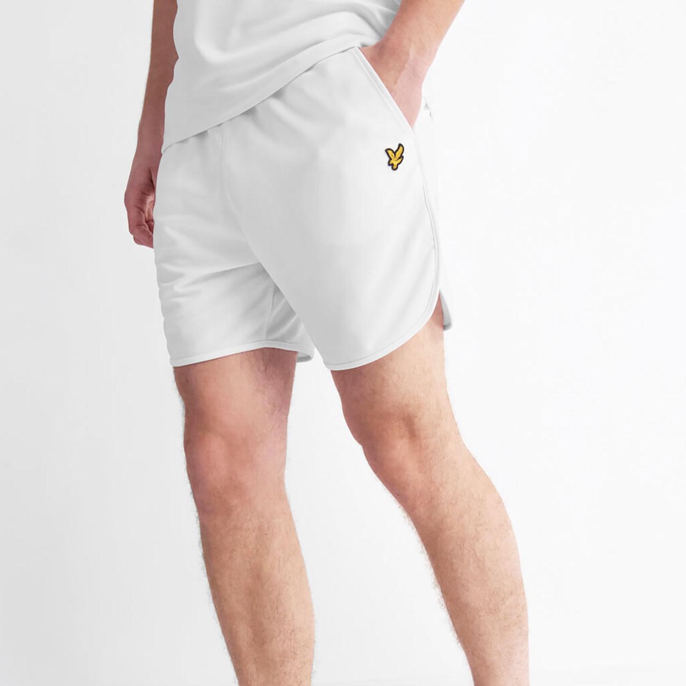 LYLE & SCOTT Men's Retro Football Shorts - White