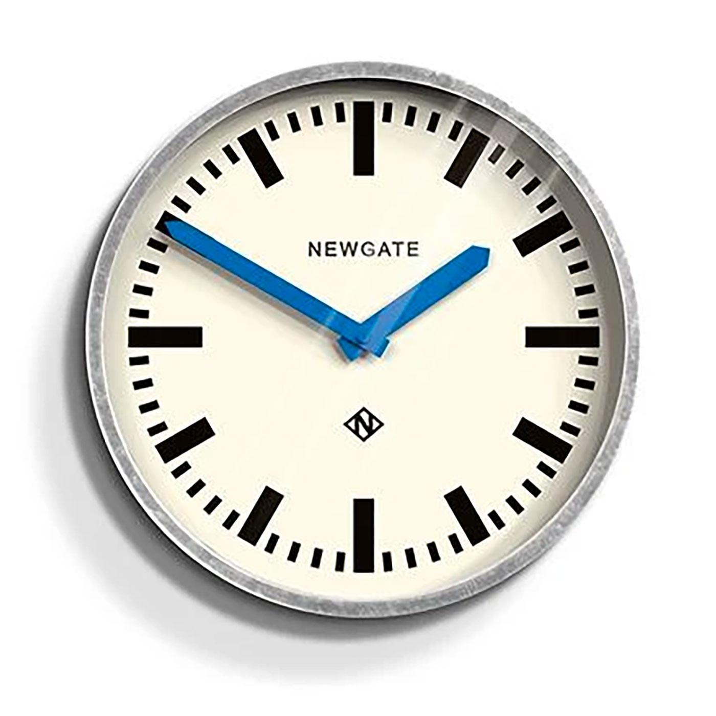 Luggage NEWGATE Retro Classic Wall Clock in Silver