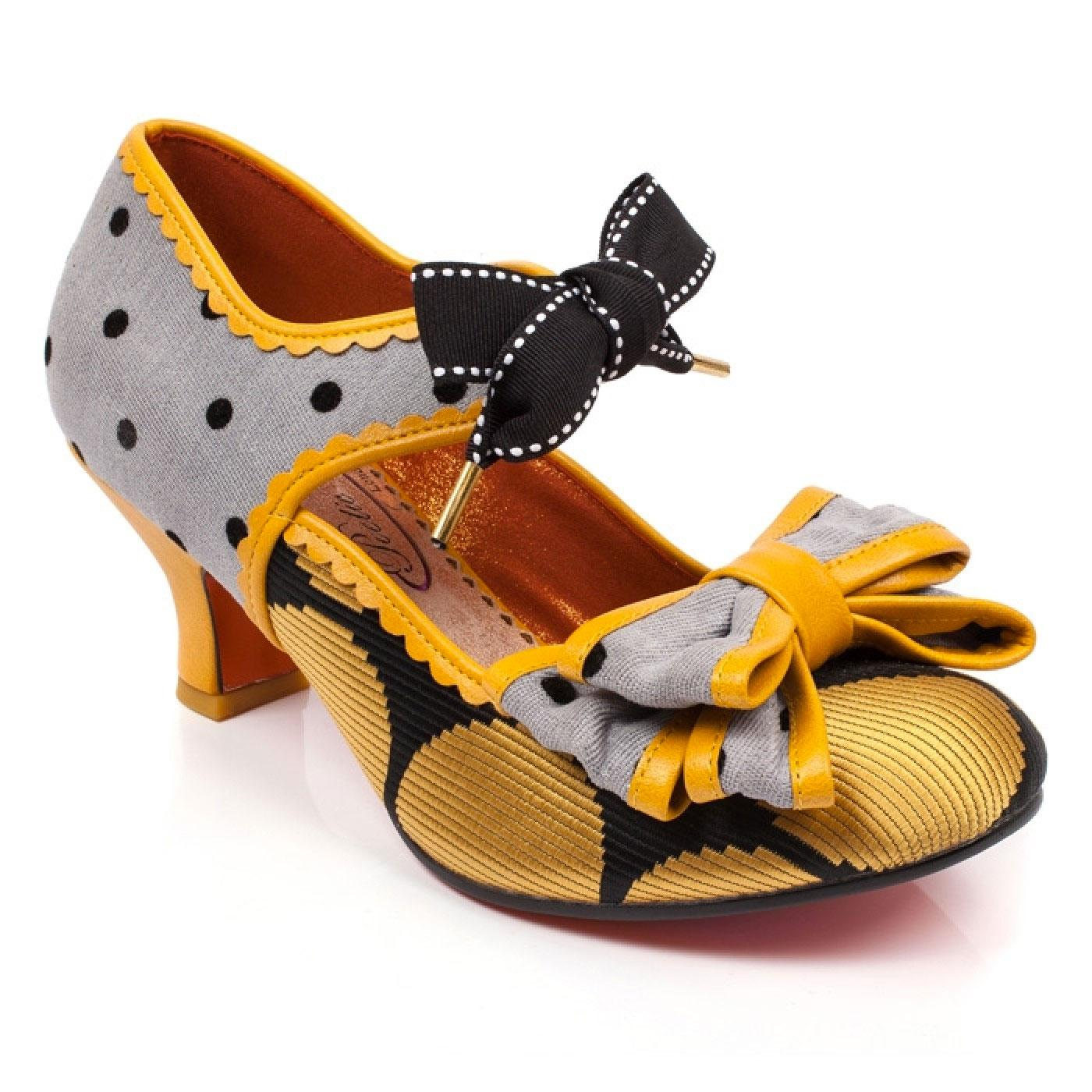 Apple Spice POETIC LICENCE Vintage Lace Up Heels G