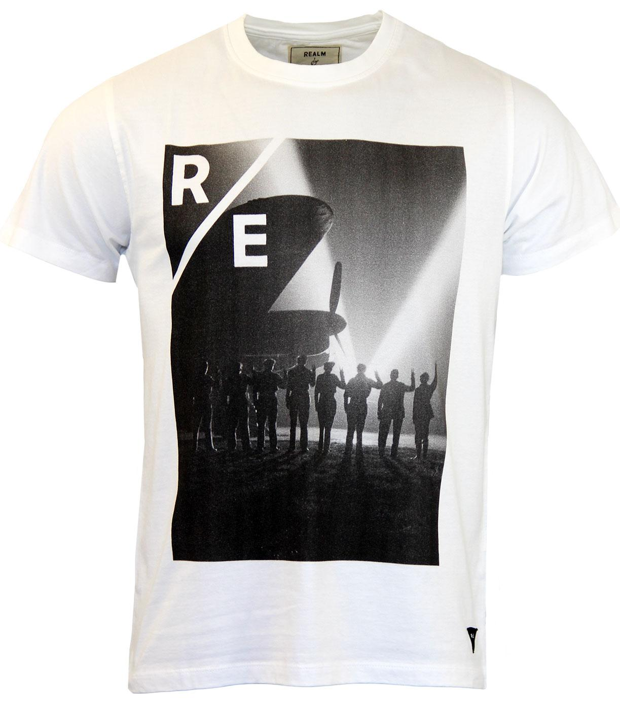 REALM & EMPIRE VE Day Vintage Photo Print T-shirt