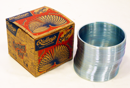 RIdleys_Retro_Spring_Slinky2.png
