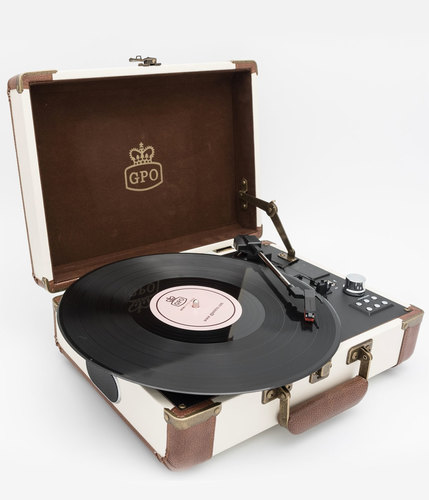 gpo-retro-ambassador-record-player-c3.jpg