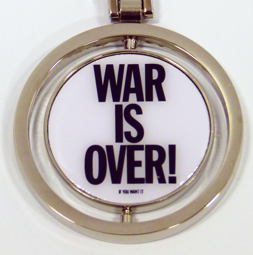 JOHN LENNON BEATLES WAR IS OVER SPIN KEYRING 60s