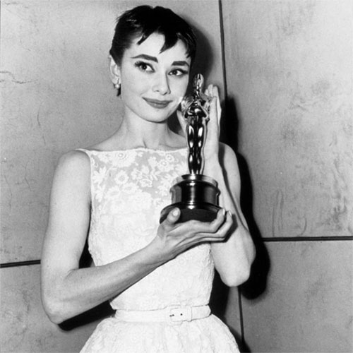 Vintage Hollywood Fashion: 10 Stunning Oscars Dresses & Gowns