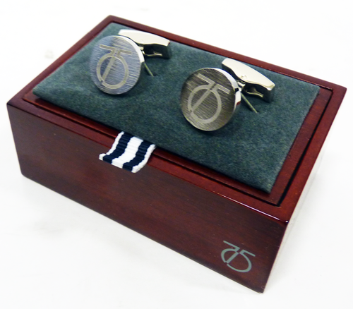 peter_werth_cufflinks_circle2.png