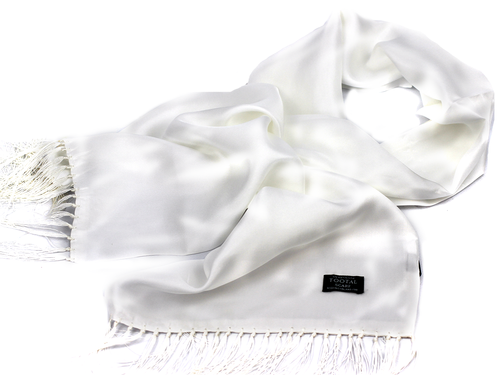 tootal_plain_white_scarf2.png