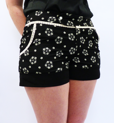 TULLE Retro Sixties Floral Vintage Crochet Shorts
