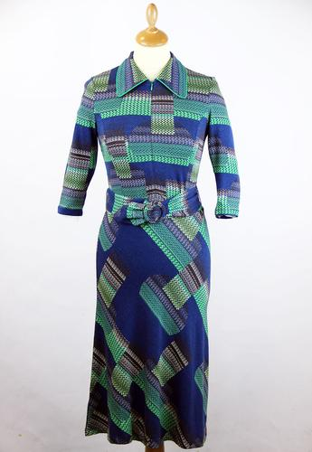 An WOW TO GO Retro 70s Belt Tie A-Line Dress